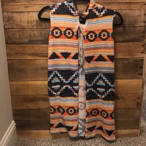 Other - 💕2/$10💕Tribal print hooded sweater vest